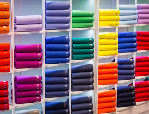 Ideálne farebné kombinácie: Aké farby oblečenia sa k sebe hodia?